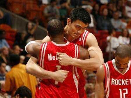 梦回零八NBA2KOL球星卡零八版姚明简要评析