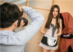 <b>摄影师约拍美女 结果却拿出了绳子...</b>