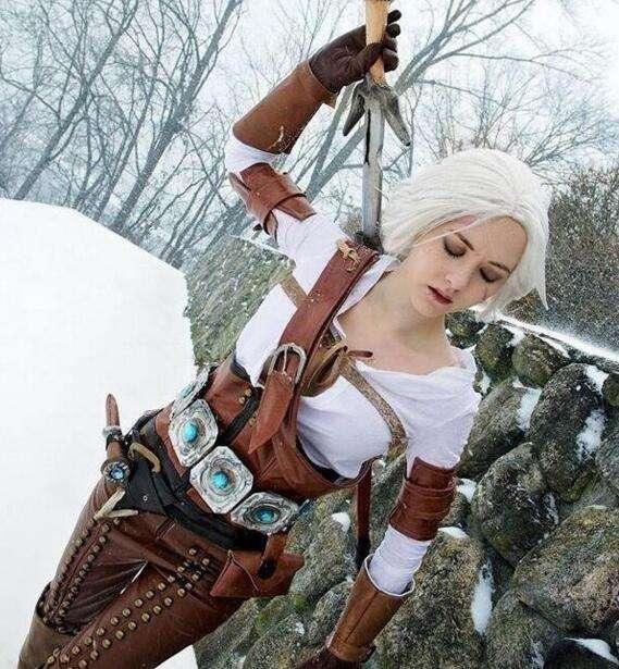 《巫师3:狂猎》希里冰雪美人完美cosplay