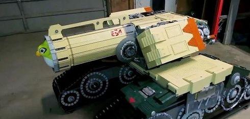 大神用35000块乐高积木打造守望先锋堡垒坦克