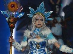 《DOTA2》完美盛典精彩COS 性感女王神还原