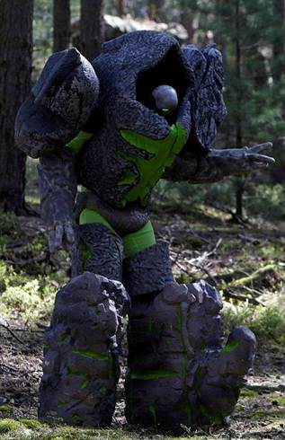 欧美玩家另类COS活动 模拟魔兽剧情作战
