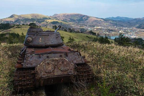 战争的凄美 遗落在世界各地的坦克残骸