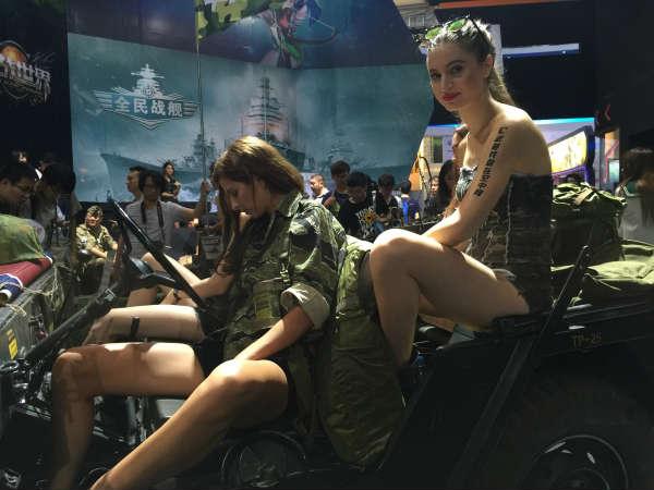 2016chinajoy空中网展台惊现外籍兵团